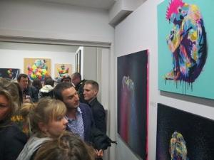 """Obras del artista Txemy en la inauguración de """"Abnormal Activity"""" (Fotografía vía http://blog.txemy.com)"""