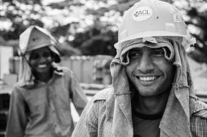Fotografía de Manu Valcarce. Serie The transit workers of Singapore.