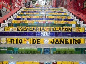 Realizada durante años por el artista chileno Jorge Selarón, La Escalera de Selarón une el barrio de Lapa con el Convento de Santa Teresa.