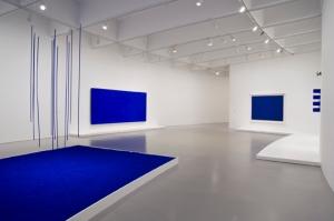 A finales de los años 50, el artista Yves Klein se centró en el color azul, y lo patentó como International Klein Blue o Azul Klein.