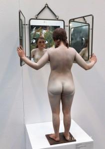 """Samuel Salcedo """"The Secret"""", 2015. Resina de Poliuretano y espejo."""