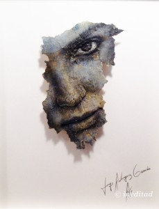 """Jorge Rodríguez-Gerada """"Anna"""" 2014. Carboncillos sobre fondo de pared reciclado."""