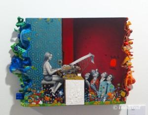 """Mario Soria """"Máquina de escribir"""" 2015. Óleo y acrílico sobre madera con juguetes de los chinos."""