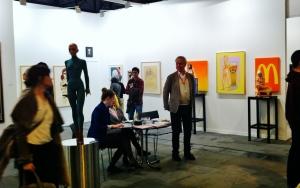La 34 edición de la Feria Internacional de Arte Contemporáneo ARCO ha ocupado los pabellones 7 y 9 de IFEMA Feria de Madrid. Foto adjunta el stand de la galería alemana LEVY.
