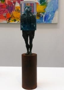 """Fernando Suárez. """"Cilíndrica"""". Hierro, bronce y resina."""