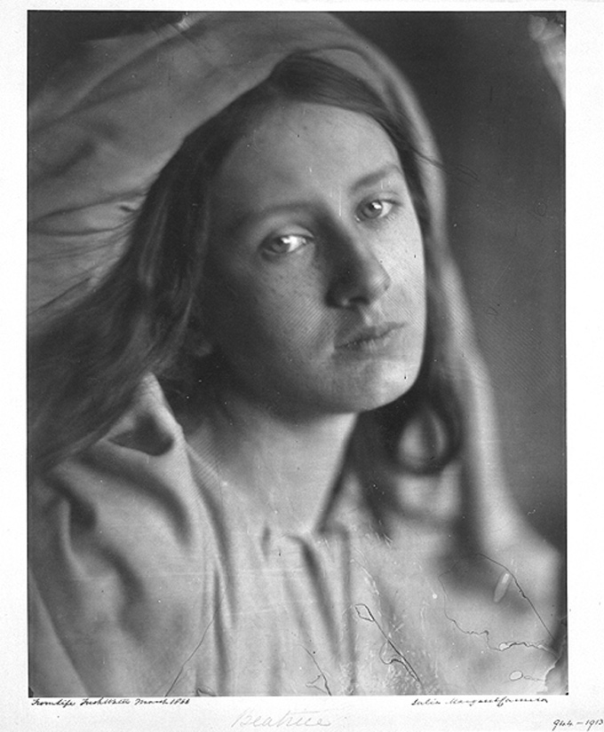 "Julia Margaret Cameron ""Beatrice"" 1866-©-Victoria and Albert Museum , Londres."